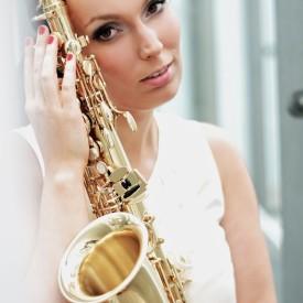 SAXY VIBES - DJanosch plus Live Saxophone